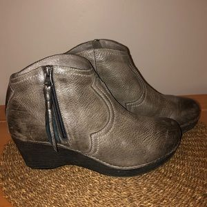 Dansko Leather Zip-up Ankle Boot